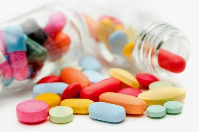 Осуществляется лечение с помощью медикаментозных препаратов