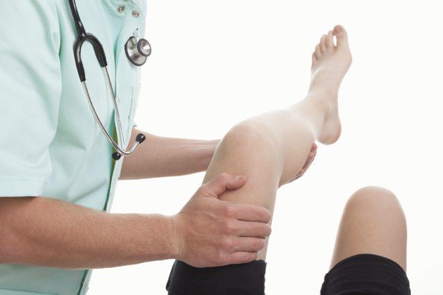 К реактивным артритам у детей относят постэнтероколитические и урогенитальные артриты