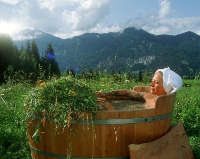 Целебные ванны при болях в суставах