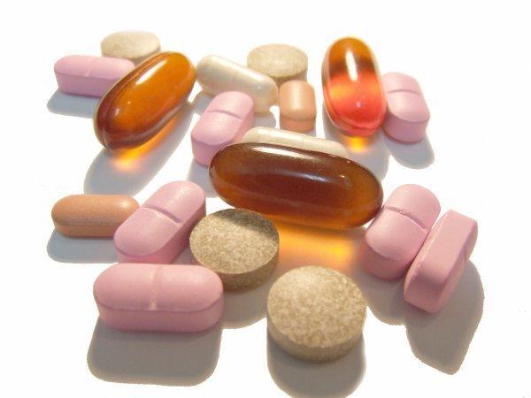 Прием нестероидных противовоспалительных препаратов, либо внутримышечно, либо в виде инъекций непосредственно в зону воспаления