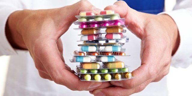 Медикаментозные средства назначаются в инъекциях, таблетках, капельницах