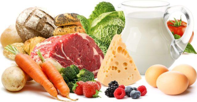 Оптимальным считается мясо индюка, курицы или кролика без кожи и жира