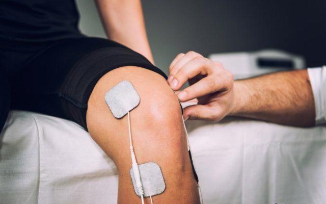 При воспалениях и сильных болях в суставе рекомендуется электрофорез с димексидом