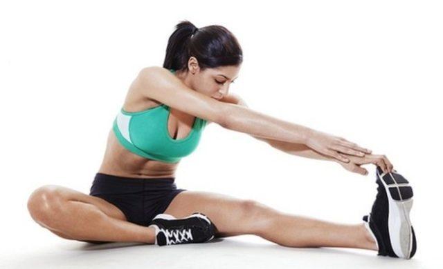 Любое упражнение завершается подъемом рук вверх (вдох) и опусканием вниз (выдох)