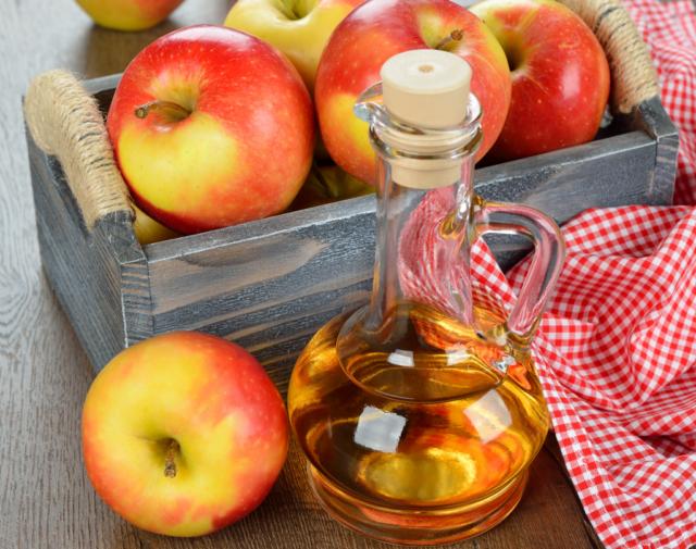 Яблочный уксус – средство, которое употребляется для множества целей