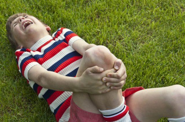 Основными возбудителями болезни у детей в основном становятся: травмы, переохлаждение, заболевание нервной системы