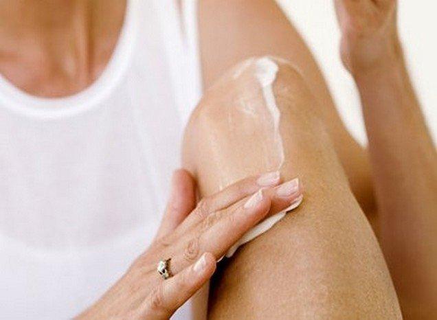 Мазь от артрита используется и для оказания первой помощи, и в составе комплексной терапии