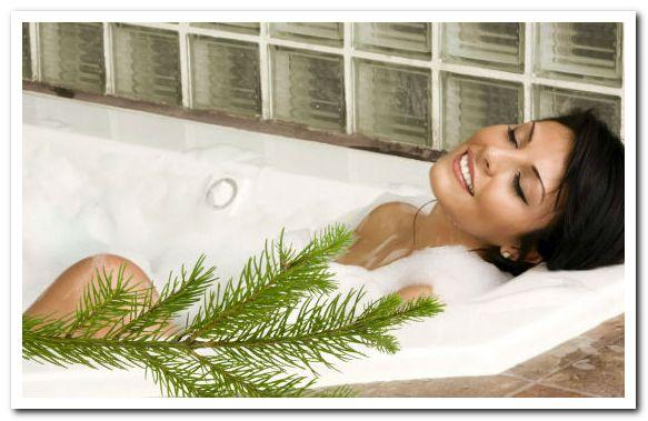 При артрозе крупных суставов показано их прогревание, которое можно сделать легко и приятно с помощью ванны