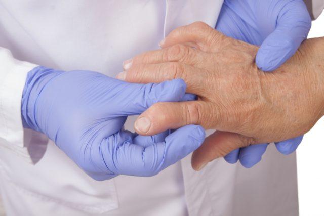 Весь лечебный процесс все также состоит из двух этапов: снятия воспаления и поддерживающей противорецидивной терапии