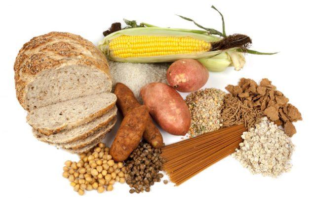 В рационе обязательно должны присутствовать овощи, фрукты и молочные продукты