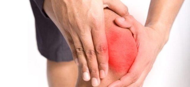 Для острой формы характерна резкая боль сразу в нескольких суставах либо последовательное ее появление