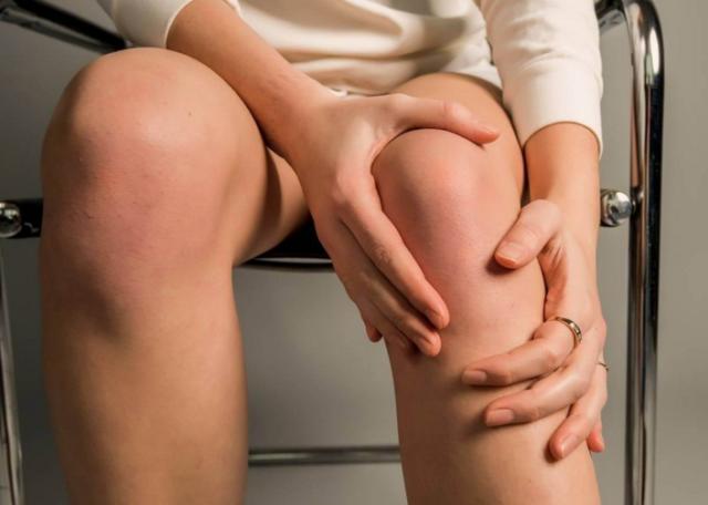 Незначительные болезненные ощущения возникают при длительном движении или большой физической нагрузке