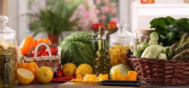 Особо важно присутствие в рационе различных растительных масел, богатые ненасыщенными жирными кислотами омега-3 и омега-6