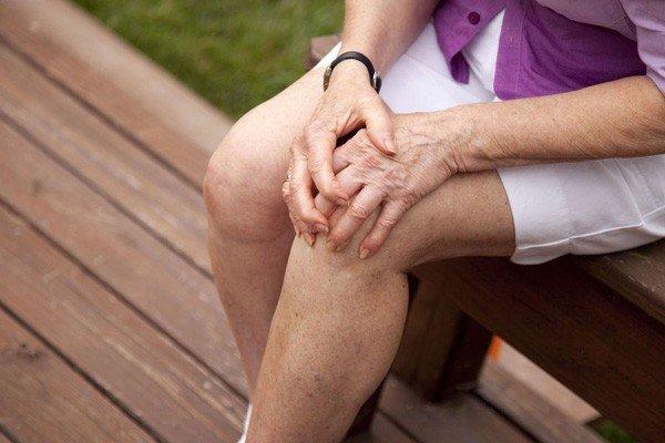 Избыточные перегрузки суставов, особенно при наличии конституционально хрупких тканей хряща и слабости мышц