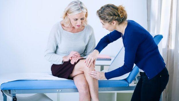 Некоторые препараты содержат необходимые для коленного сустава вещества, которые в недостаточных количествах вырабатываются при артрозе колена