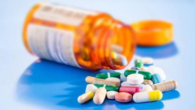 При ярко выраженной симптоматике может потребоваться медикаментозная блокада