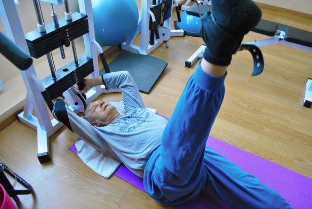 Именно правильные и умеренные разрабатывающие движения позволяют предотвратить разрастание остеофитов и развитие контрактуры в суставе