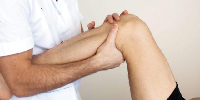 Визуальный осмотр ортопеда и пальпация пораженной области
