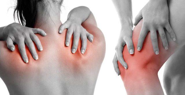 Иногда пронзает резкая боль, или донимает постоянная тупая, движения затруднены
