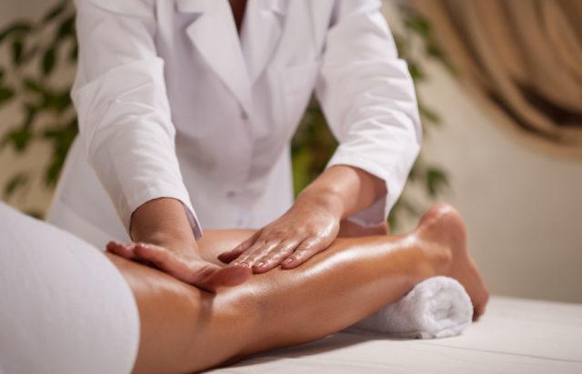 Важно: массаж должен проводиться только квалифицированным опытным специалистом