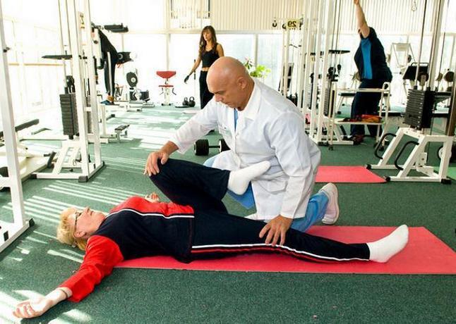 Доктор-специалист восстановительной терапии и реабилитологии профессор Бубновский разработал специальную систему упражнений при болезнях костно-суставного аппарата